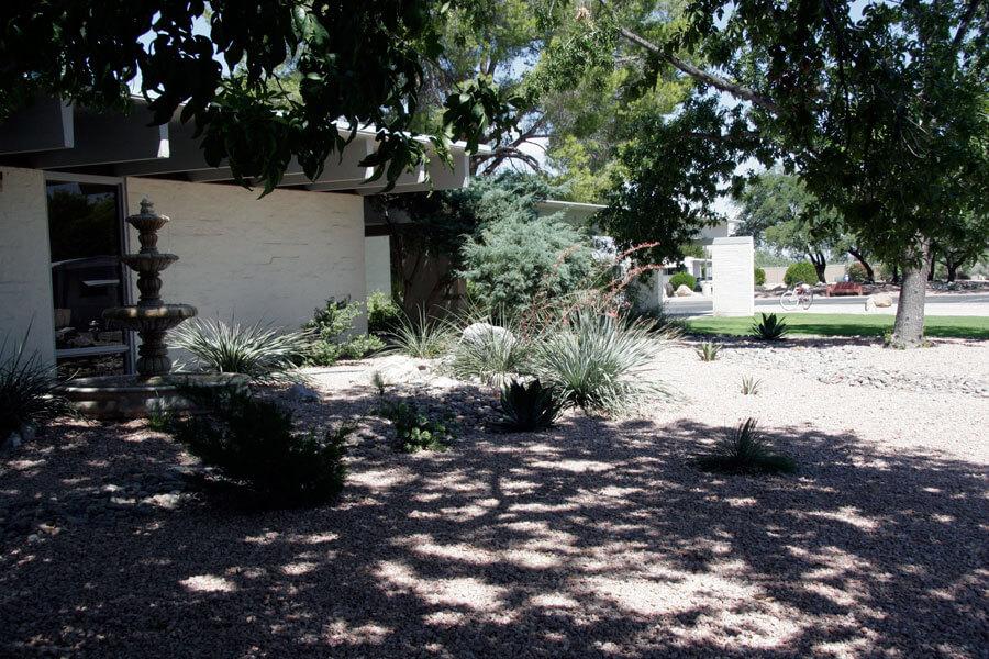 desert-pueblo-large-fountain