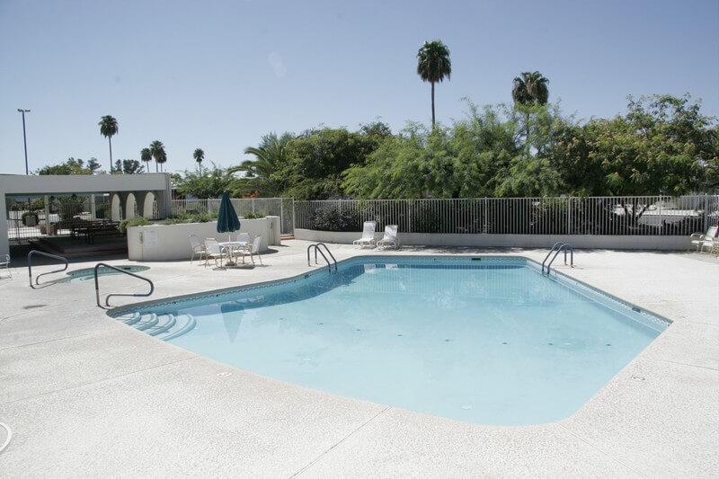 swimming-pool-desert-pueblo-mobile-home-park